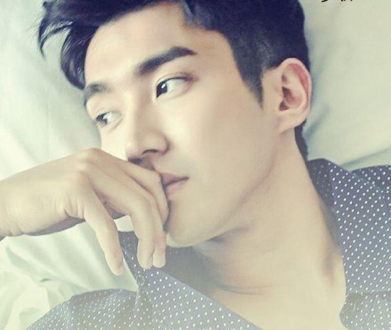 140405-e6a2a6e5a686mamonde-weibo-update-with-siwon
