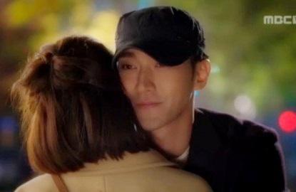 go-jun-hee_1446849360_what_did_he_whisper_